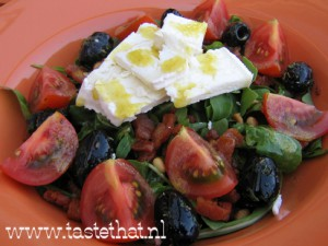 Salade-met-spekjes-en-geite