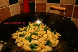 Schelpjes-pasta-met-Bimi